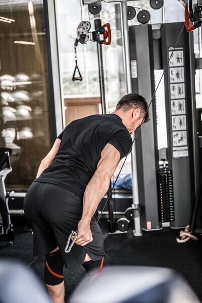 split antrenman izole egzersizlerin daha yoğunlukla ve daha çok yapıldığı antrenmanlardır.