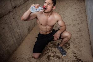 sporda suyun önemi nedir ve ne kadar su içmeliyiz