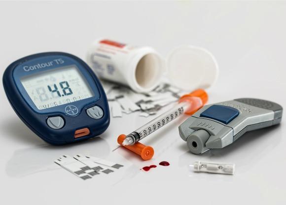 insülin hormanı vücutta kan şekerini dengeler.